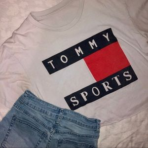 ☻ tommy sports crop top